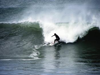 Surfistas en Miramar