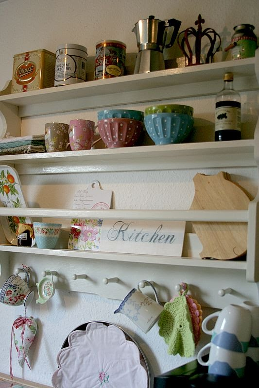 hobbies more neues regal f r die k che. Black Bedroom Furniture Sets. Home Design Ideas