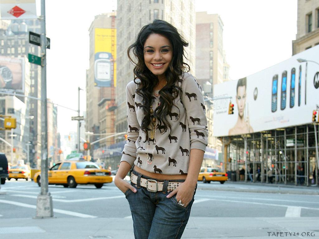 http://2.bp.blogspot.com/-le7PmFLXXUc/TWAL4yb68HI/AAAAAAAAAzU/cAL8LmfgJuY/s1600/Vanessa_Hudgens_1090.jpg