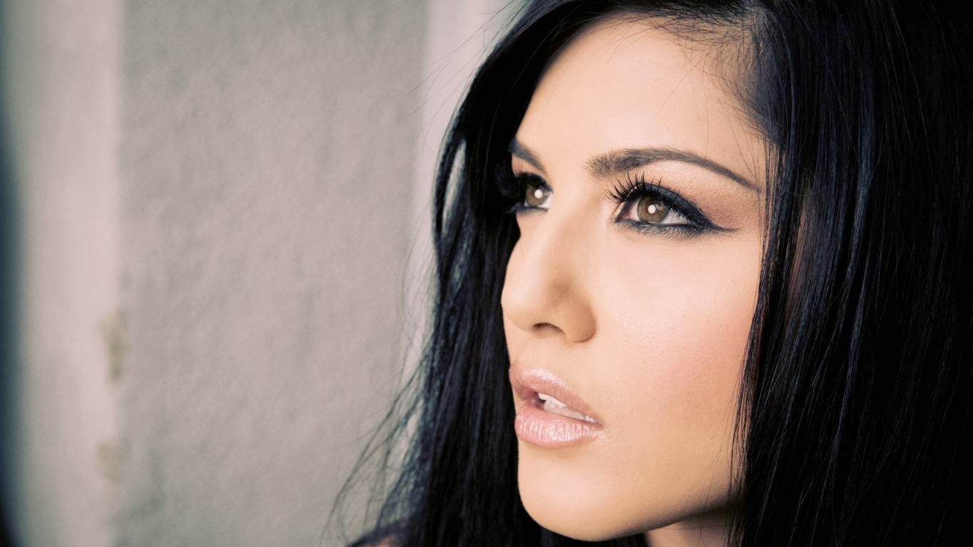 Wallpapers assembly sunny leone 39 s latest hot hd for Immagini leone hd