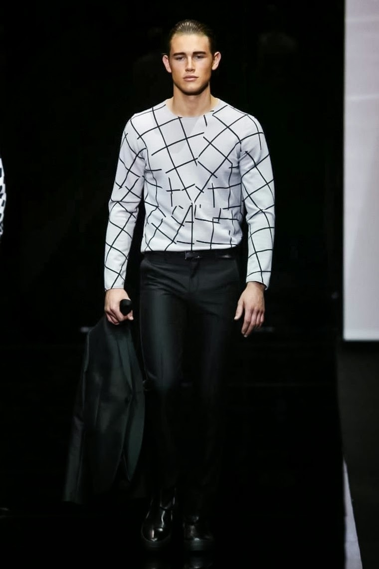 Emporio-Armani, Emporio-Armani-Spring-Summer, Emporio-Armani-Spring-Summer-2015, Emporio-Armani-menswear, Emporio-Armani-printemps-ete-2015, Emporio-Armani-printemps-ete, du-dessin-aux-podiums, dudessinauxpodiums, mode-homme, abbigliamento-bambini, costume-homme, chemise-homme, evening-dresses, vetement-homme, vestiti-online, 3-piece-suit, prom-suits, sous-vetement-homme, armani-code, costume-armani, fashion-mode, armani-code-for-women, chaussure-armani