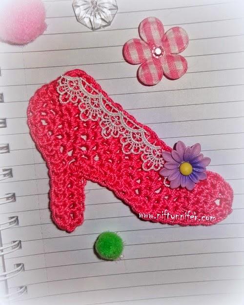 http://www.niftynnifer.com/2014/03/free-high-heel-shoe-motif-crochet.html