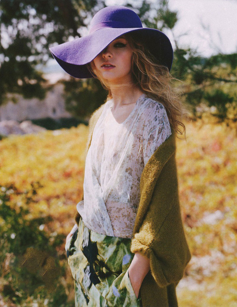 via fashioned by love | Iys Inger in Marie Claire Australia February 2011 (photography: Friedeman Hauss, styling: Jana Pokorny)