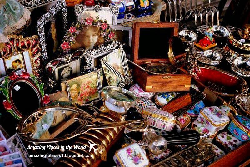 Portobello Market in London, interesting world markets