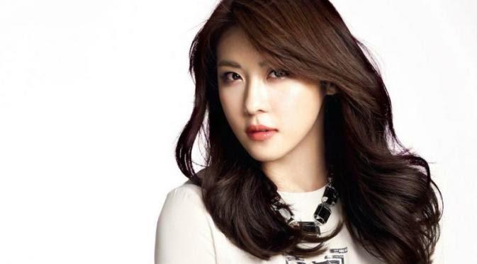Bintang Cantik Korea Ha Ji Won Bikin Acara Spesial Untuk Fans