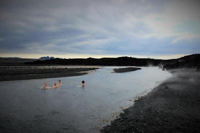 Excursión a Holuhraun y su nuevo baño termal
