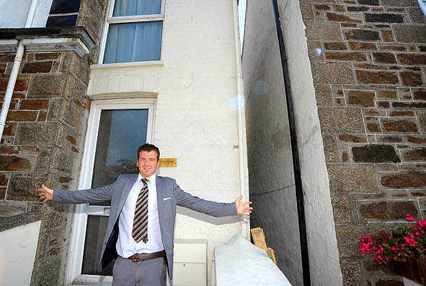 This is the world's narrowest house!