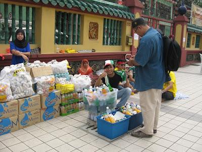 Himpunan Kebangkitan Rakyat, hawker selling mineral water and Ramly burger