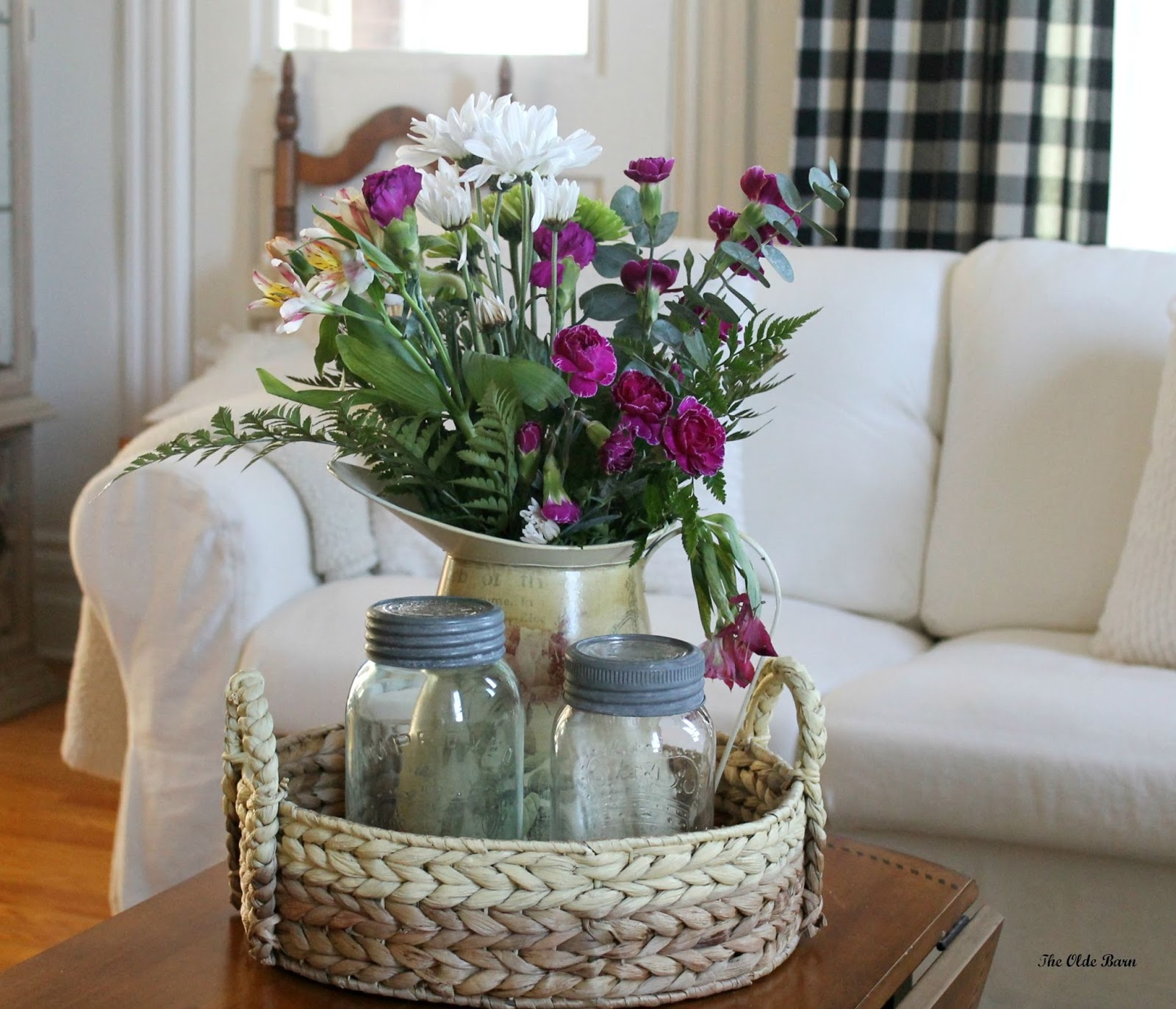 Flower vase kijiji - Bit Of Farmhouse Style A Little Eclectic Here And There With A Few Antique Touches And Always Fresh Flowers Therapy For The Soul