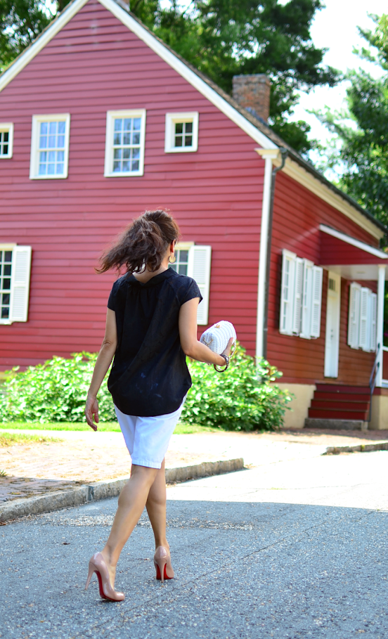 Outfit with white Bermuda shorts