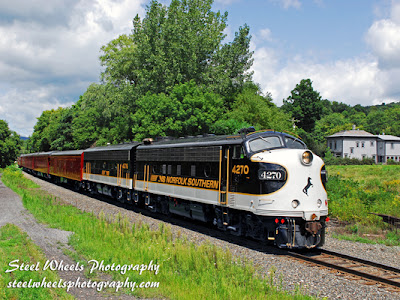 Norfolk Southern by Steel Wheels Photography.