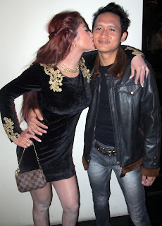 Dewi Persik Ciuman