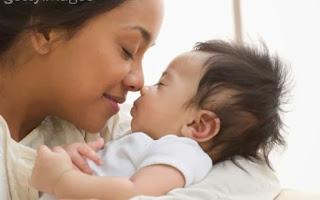 Inilah Mitos Bayi Baru Lahir Yang Banyak Dipercayai Orang