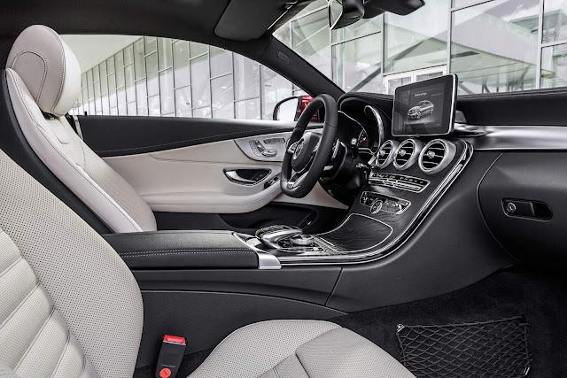 Novo Mercedes-Benz Classe C Cupê - Interior