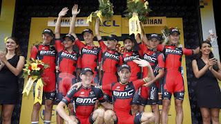 TOUR DE FRANCIA - BMC gana la contrarreloj que no da muchas diferencias de tiempo