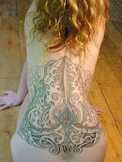 Tatto Keren Di Tubuh Perempuan
