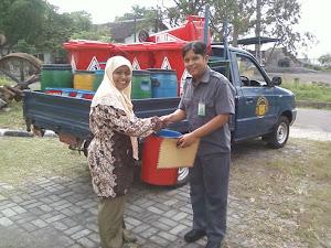 Penyerahan Bantuan dari PT Industri Gula Nusantara - Cepiring kendal
