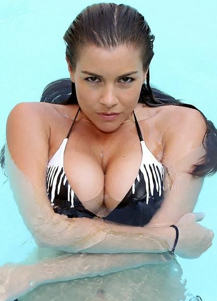 Sexy Girl in Big Boobs
