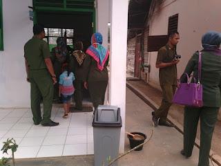 Team Penilai Lomba Sekolah Sehat Kabupaten Berkunjung Ke SD Negeri 149/VIII Muara Tebo Tahun 2015