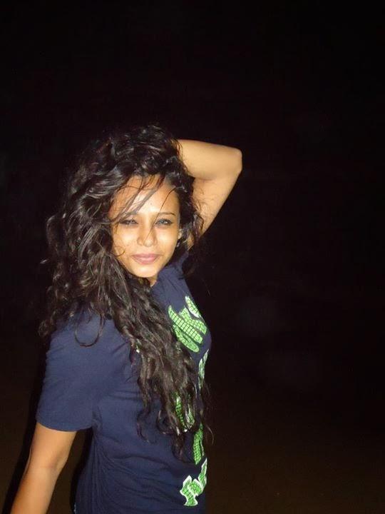 Sri Lankan Sexy Model Tharaka