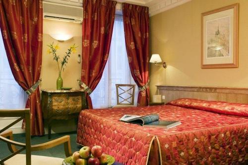 hotel. Black Bedroom Furniture Sets. Home Design Ideas