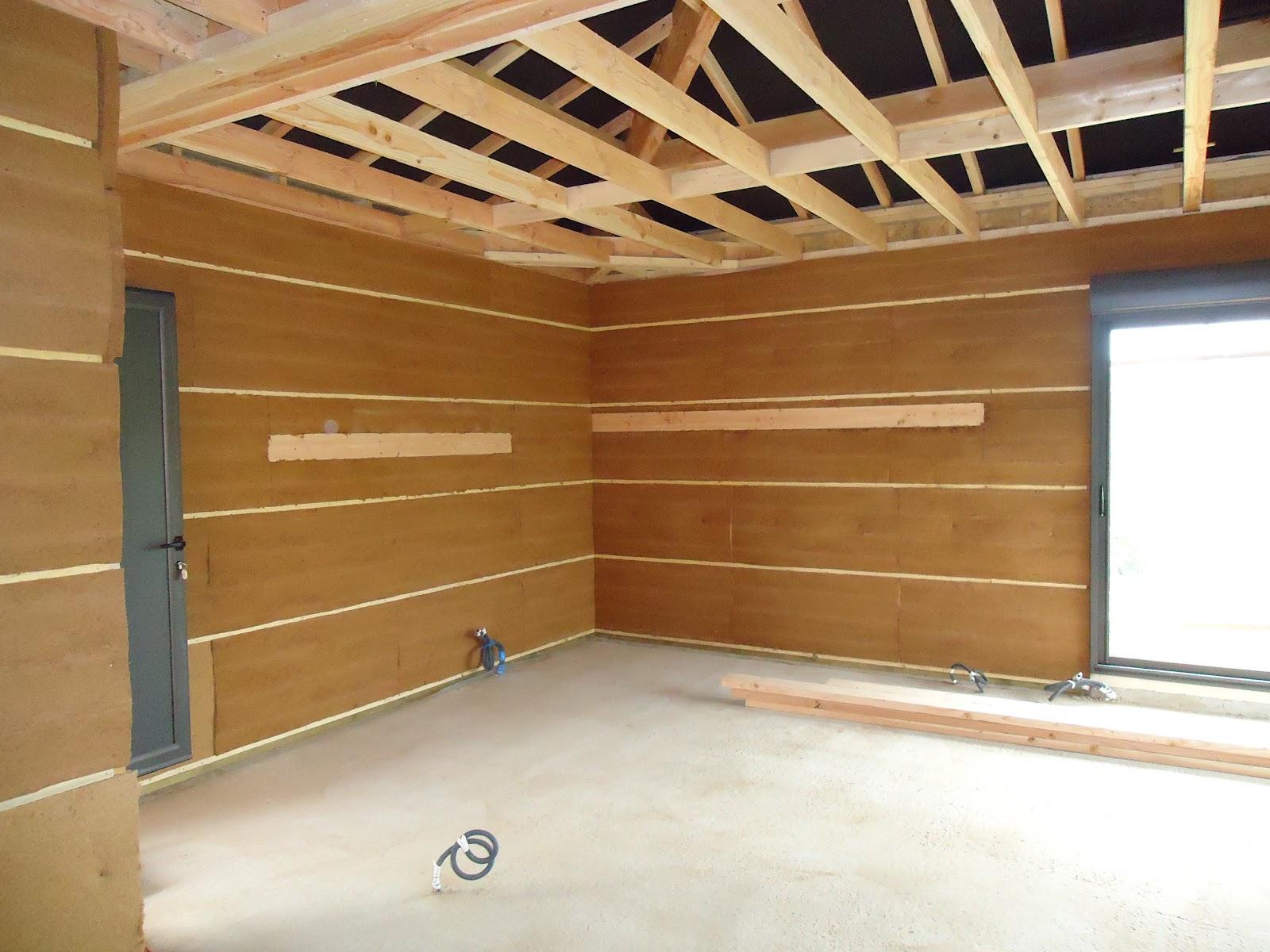 Notre ossature bois aujols nettoyage et placo for Plafond ossature bois