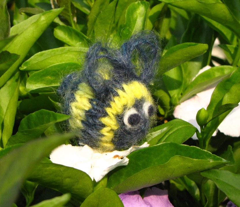 Bumble Bee Knitting Pattern Natural Suburbia
