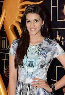 Kriti Sanon in Micro Mini Skirt at 16th IIFA Awards 2015 Press Meet