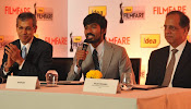 Dhanush at Idea film fare awards-thumbnail-6