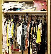 Tips Merapikan Pakaian dalam Lemari