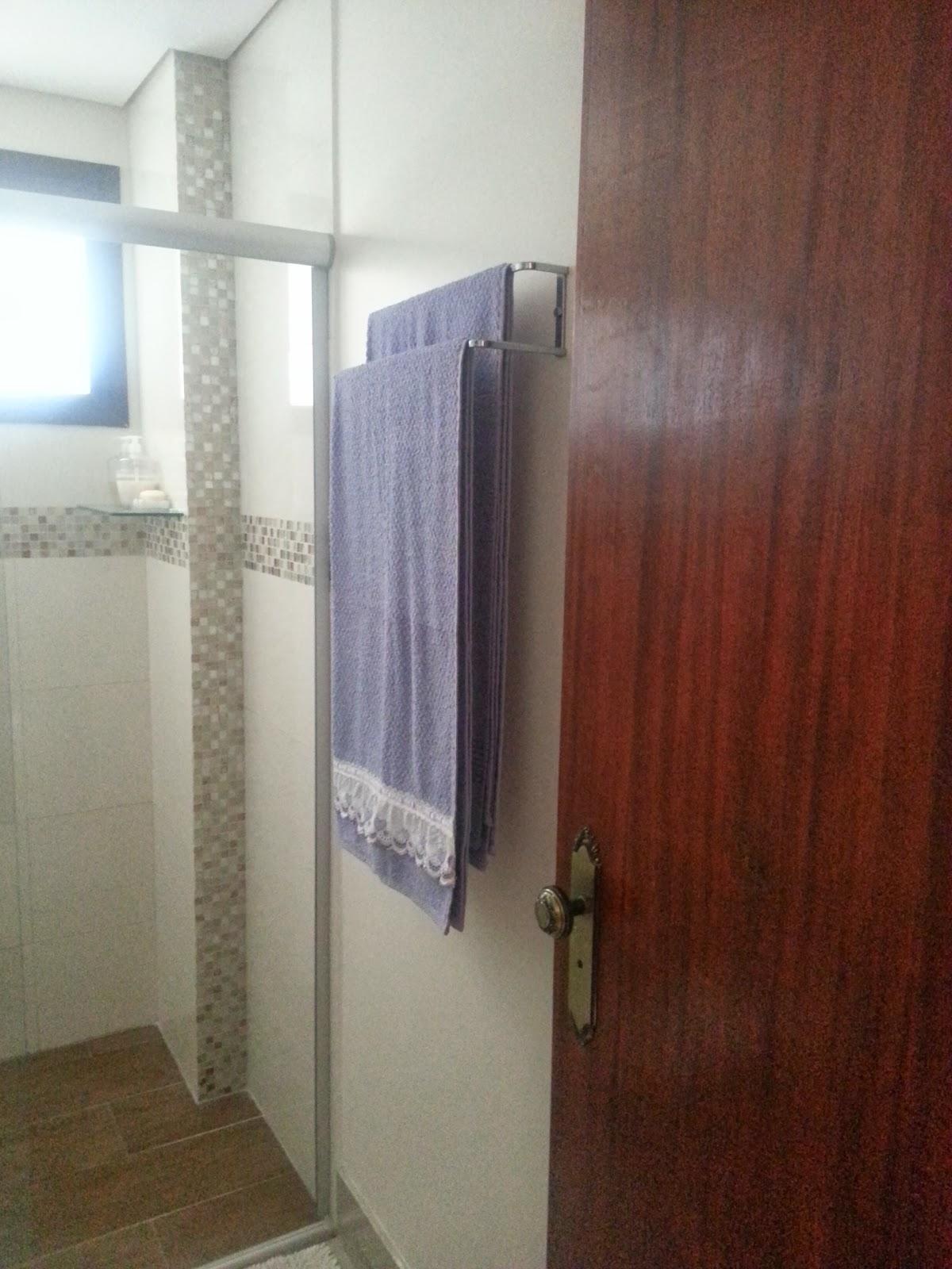 Imagens de #43251A Soleira em travertino porcelanato polido igual à sala e  1200x1600 px 3698 Banheiros Prontos Fotos