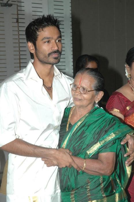 Director Selvaraghavan and Geethanjali Wedding Stills gallery