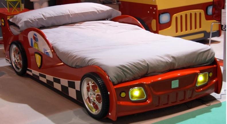 Dormitorios con tem tica de carros decoraci n de - Coches cama para ninos ...