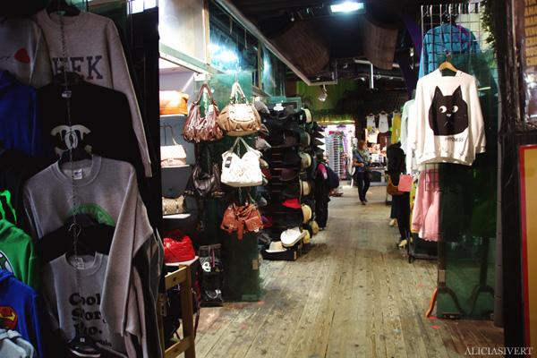 aliciasivert, alicia sivertsson, london med grabbarna, england, camden town, camden lock markets, horse tunnel market, marknad, kläder, clothes