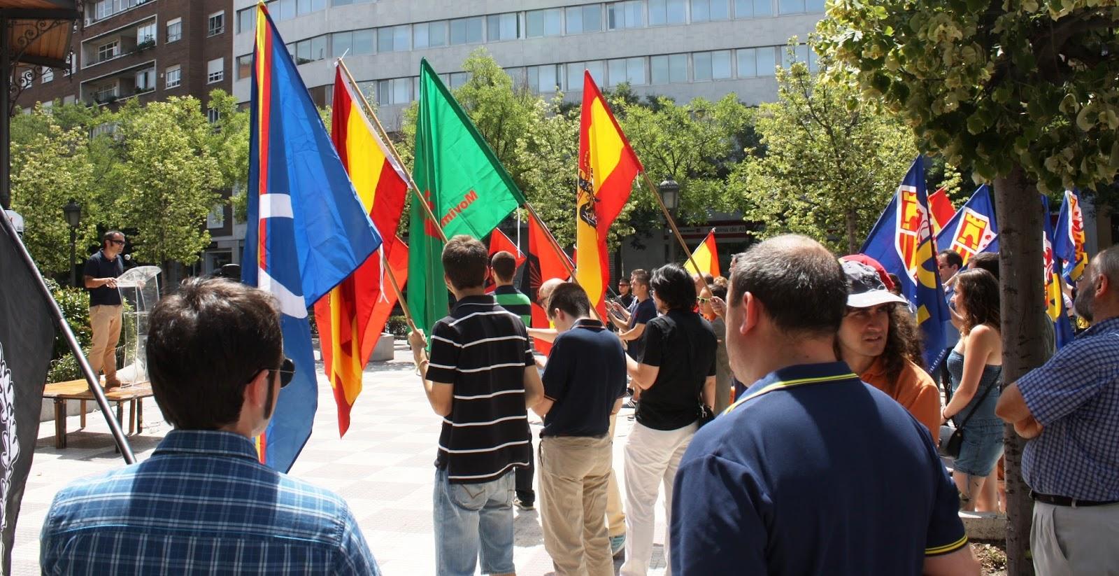 Primer Matrimonio Gay Catolico : Acción juvenil española concentración en defensa de la