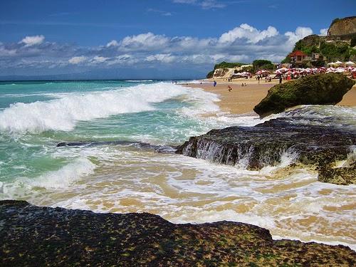 Paket Tour Rombongan Wisata Murah ke Bali - Pantai Dreamland