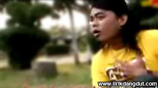 Nur Bayan - Kapisah ft Rizqi Zummy
