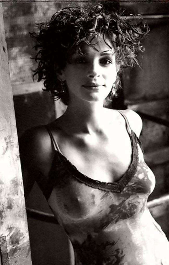 julia-diane-nude-pics-pornography-girl