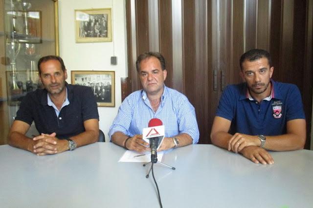 Παραμένει στο τιμόνι του Εθνικού ο Σάκης Μουστακίδης