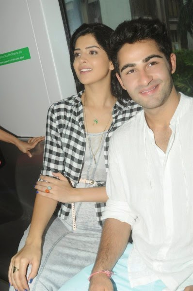 Armaan Jain and Deeksha Seth in Mumbai Metro