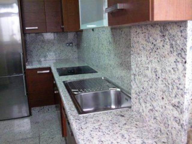 La marmolesa cocinas integrales con cubiertas en m rmol y for Cocinas con marmol y granito