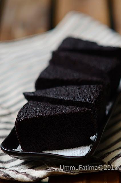 cake kukus ketan hitam (no food additive)