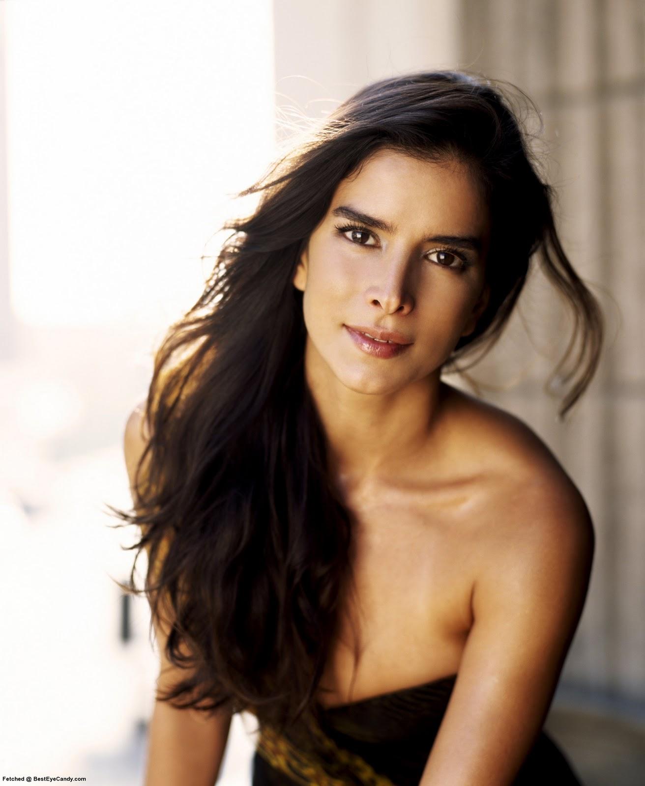 http://2.bp.blogspot.com/-likPqh2f2Eo/TyVrRjA3mXI/AAAAAAAAHQs/HGFgG5LgX0I/s1600/Patricia_Velasquez_1-4.jpg