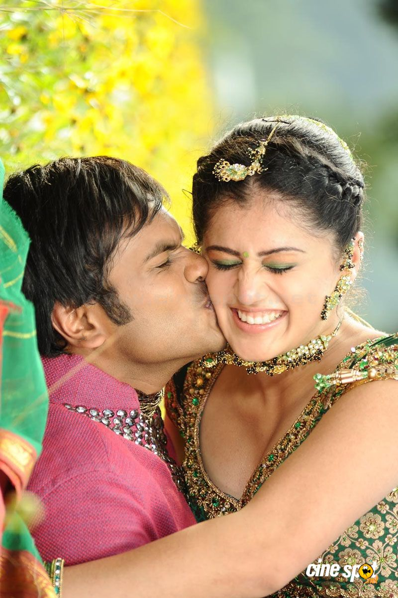 Tapasee Sexy Hot Jhummandinadham Telugu Movie Photos