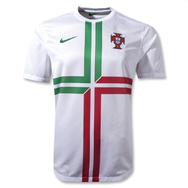 [Imagen: camiseta-blanca-portugal-eurocopa-2012.jpg]
