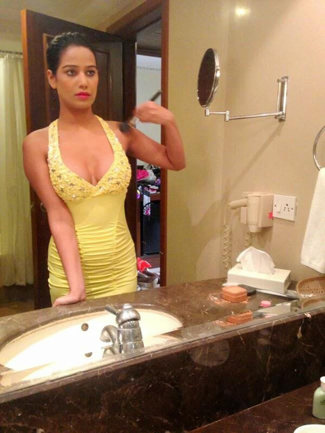 Poonam Pandey hot photo