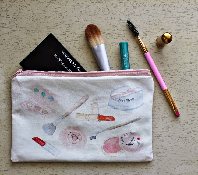 vintage makeup bag from wacky tuna on etsy