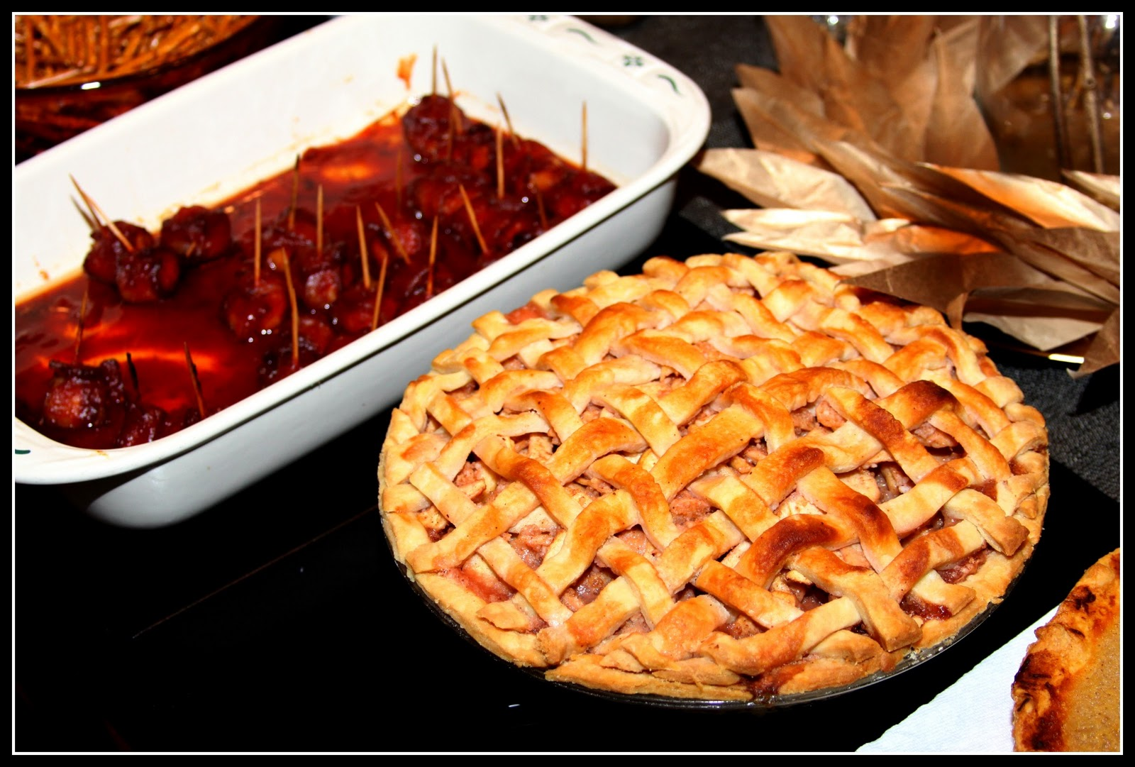 Displaying 20> Images For - Thanksgiving Apple Pie...
