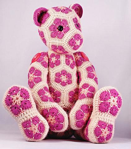 African Flower Amigurumi : Artesanato diversao e prazer: ursinho de croche feito com ...