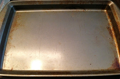 how to clean cookie sheets with baking soda